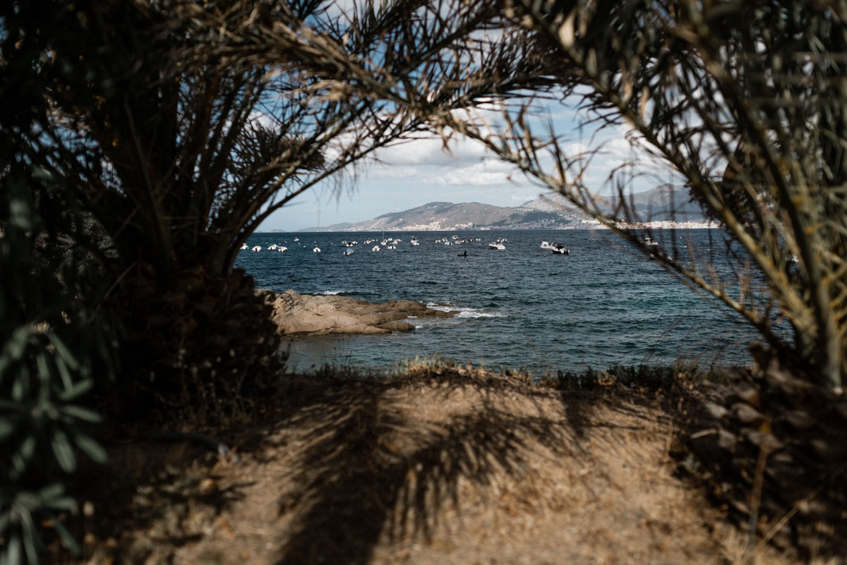 Un mariage gipsy sur une plage Corse